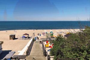 центральный пляж в янтарном фото