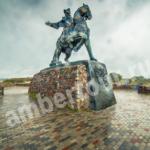 Балтийск памятник Елизавете фото